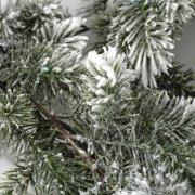 Guirlande de pin enneig�