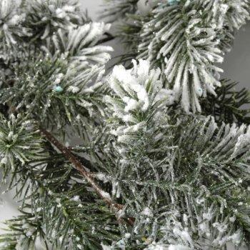 Guirlande de pin enneigé
