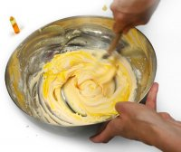 Préparer une portion de crème au beurre.